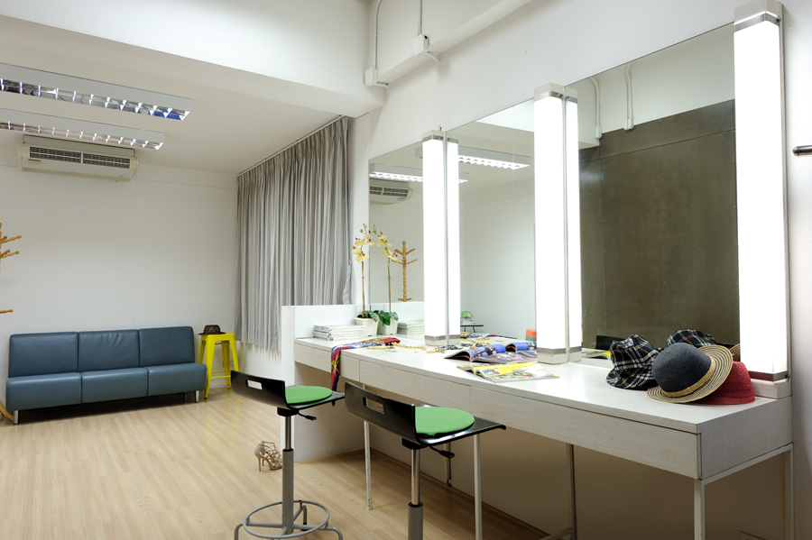 Make up room for Image of a room